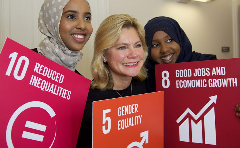 Photo: Fahma Mohamed, Justine Greening and Hamda Mohamed by Jessica Lea/DFID